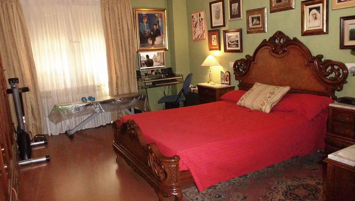 Clásico piso en venta con armarios empotrados-dormitorio2
