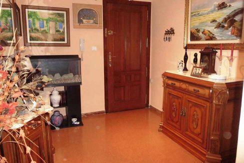 Clásico piso en venta con armarios empotrados-recibidor
