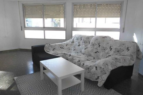 Gran piso con 2 balcones exteriores en Santa Rosa-salon