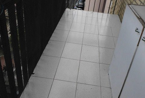 Luminoso piso para amueblar en Santa Rosa-balcon
