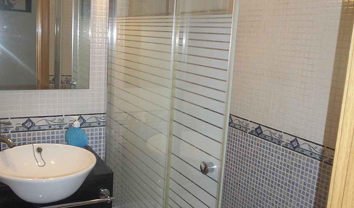Magnífico piso para entrar a vivir en Santa Rosa-banyo2