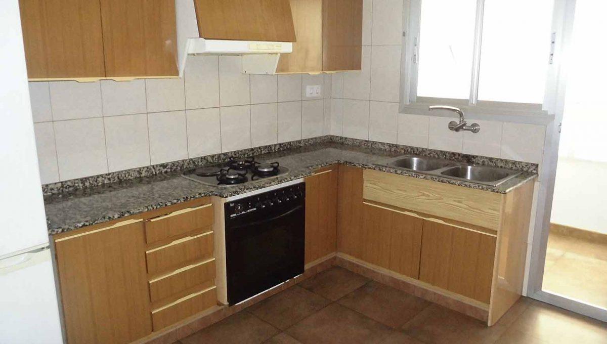 Magnífico piso para entrar a vivir en Santa Rosa-cocina