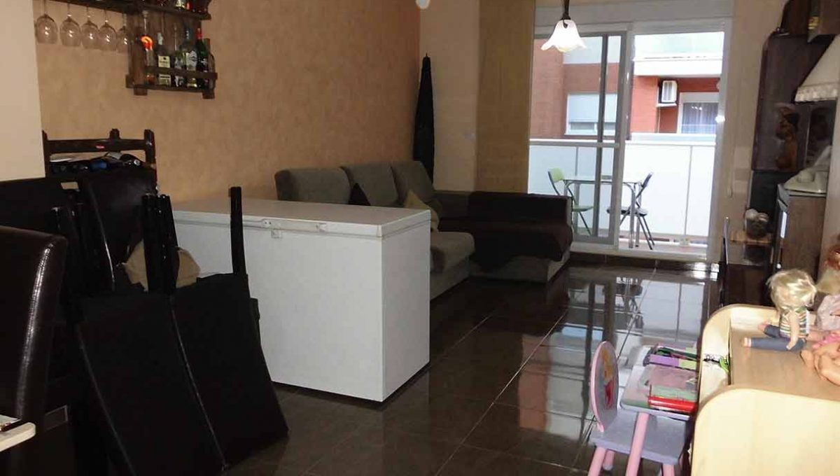 Piso reformado con cocina office en Santa rosa-salon2
