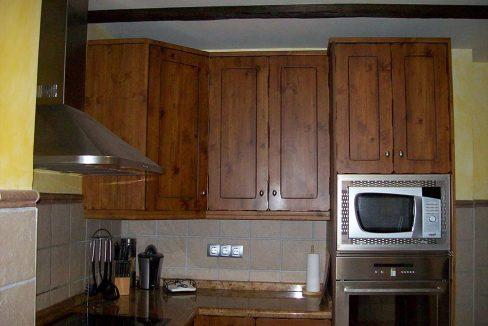 Piso reformado con terraza en Santa Rosa-cocina