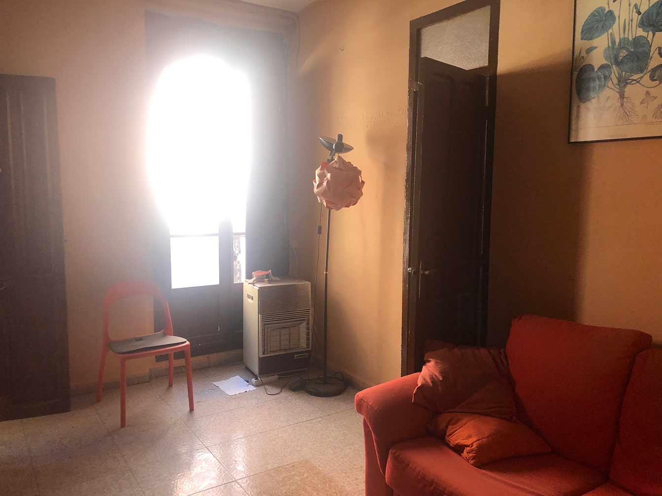 Se vende piso a reformar con balcón en Santa Rosa