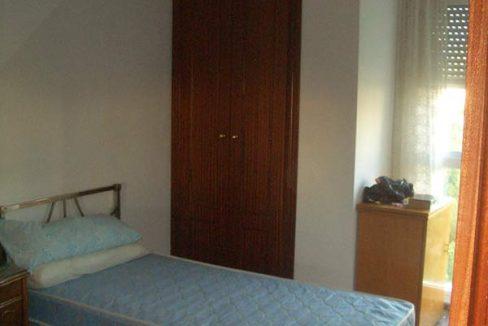 Se vende piso con balcón exterior y plaza de garaje-dormitorio2