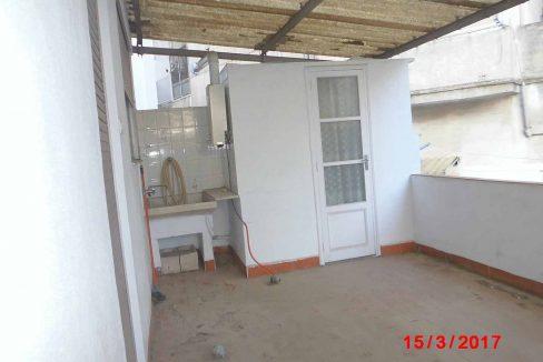 Amplio local con piso y terraza ubicado en Santa rosa-patio