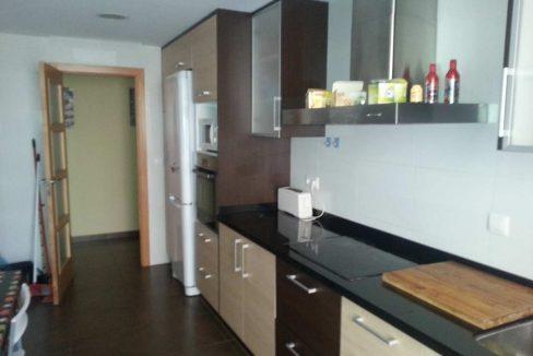 Céntrico piso en santa rosa con trastero y garaje-cocina2