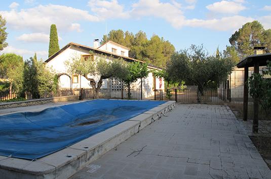 Chalet en venta con piscina en el baradello-piscina