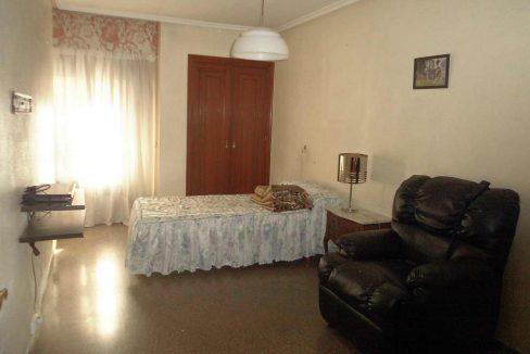Clásico piso en santa rosa con balcón y trastero-dormitorio2
