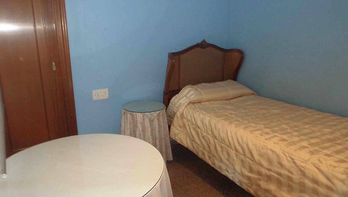 Clásico piso en santa rosa con balcón y trastero-dormitorio3