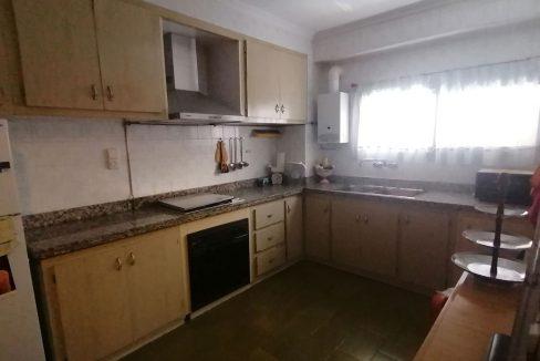 En venta piso clásico con balcón y trastero en Santa Rosa-cocina