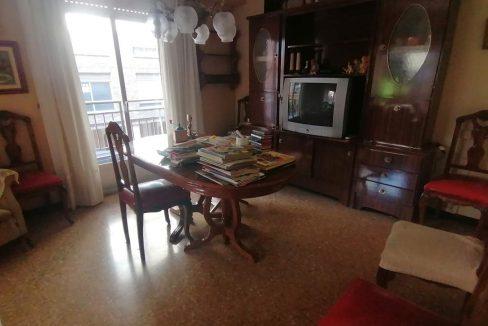 En venta piso clásico con balcón y trastero en Santa Rosa-comedor