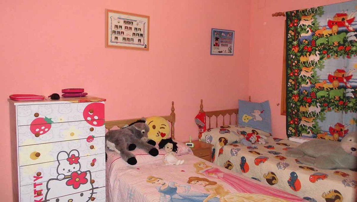 Enorme chalet con piscina y bodega en el Baradello-dormitorio2