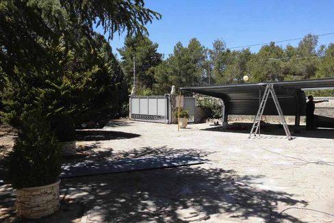 Enorme chalet con piscina y bodega en el Baradello-garaje