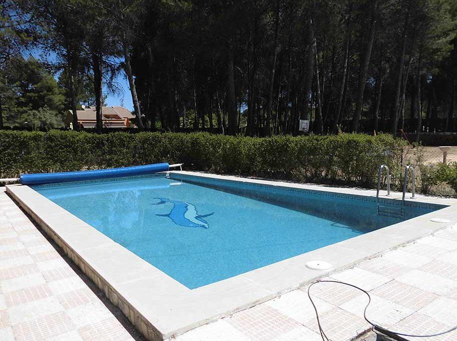 Enorme chalet con piscina y bodega en el Baradello-piscina