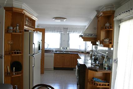 Gran chalet con dos cocinas a la venta en San Rafael-cocina