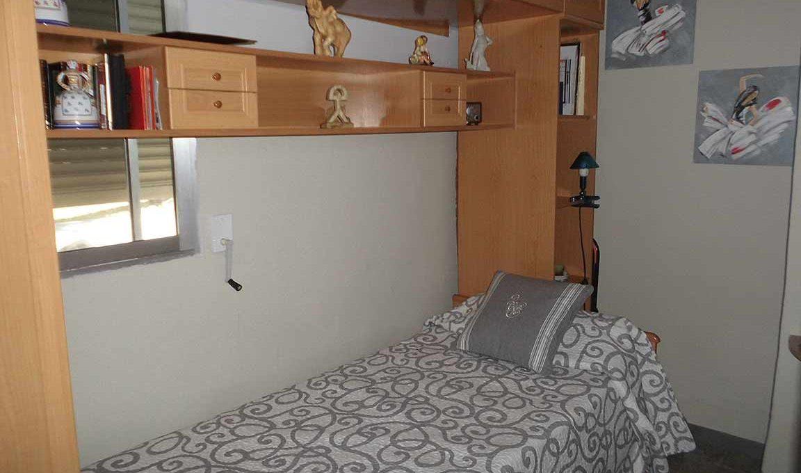 Gran chalet con vistas a la Fuente roja y huerta-dormitorio3