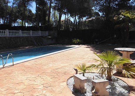 Gran chalet con vistas a la Fuente roja y huerta-piscina