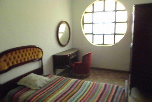 Impresionante chalet en venta con bodega y piscina-dormitorio2