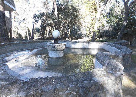 Impresionante chalet en venta con bodega y piscina-jardín