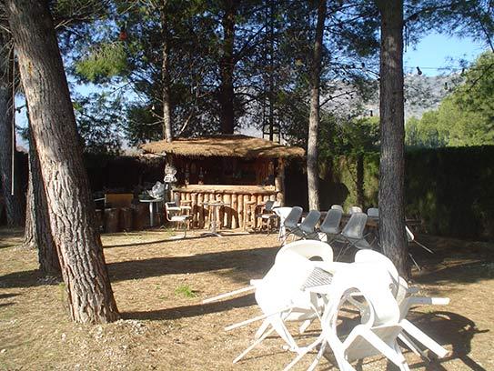 Luminoso chalet en venta con salón acristalado en Gayanes-jardin2