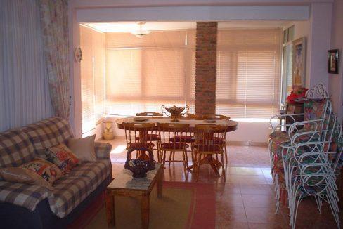 Luminoso chalet en venta con salón acristalado en Gayanes-salon