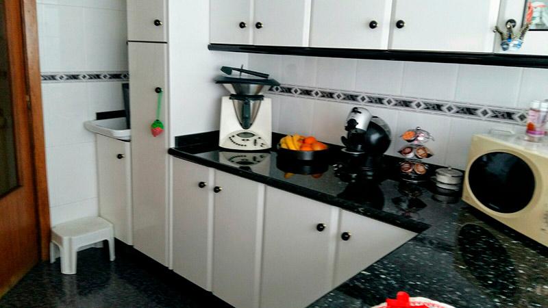 Luminoso piso en venta con cocina office en Santa Rosa-cocina