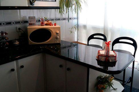 Luminoso piso en venta con cocina office en Santa Rosa-cocina2