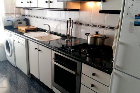 Luminoso piso en venta con cocina office en Santa Rosa-cocina3