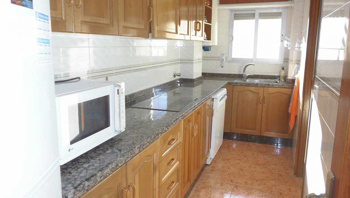 Piso con excelentes vistas y garaje en Santa rosa-cocina