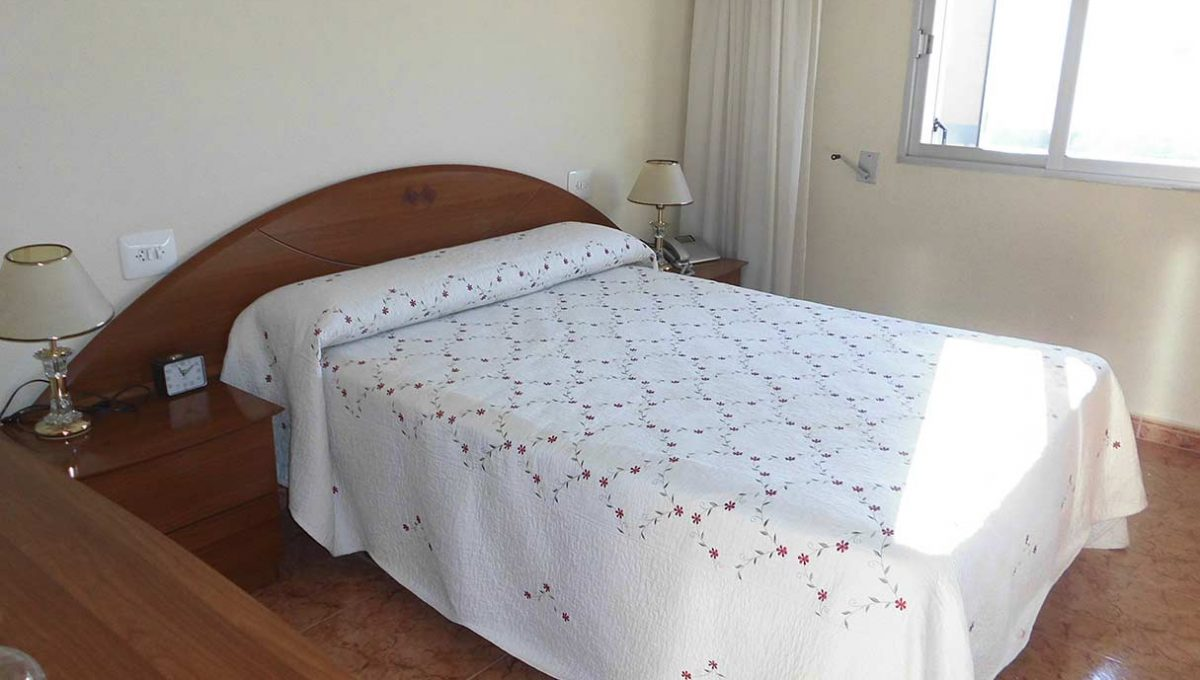 Piso con excelentes vistas y garaje en Santa rosa-dormitorio