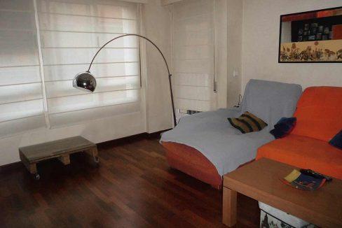 Piso con terraza, balcon y patio ubicado en Santa Rosa-salon