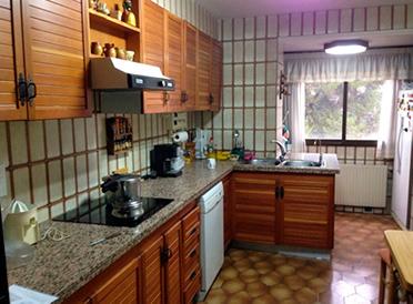 Piso en venta en santarosa con garaje y balcon-cocina