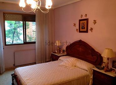 Piso en venta en santarosa con garaje y balcon-dormitorio