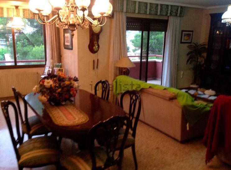 Piso en venta en santarosa con garaje y balcon-salon2