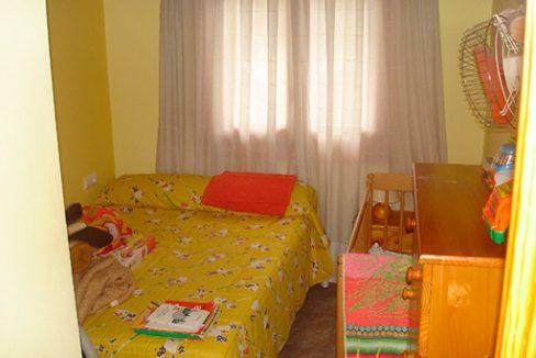 Soleado chalet con piscina en venta en la zona de Cocentaina-dormitorio