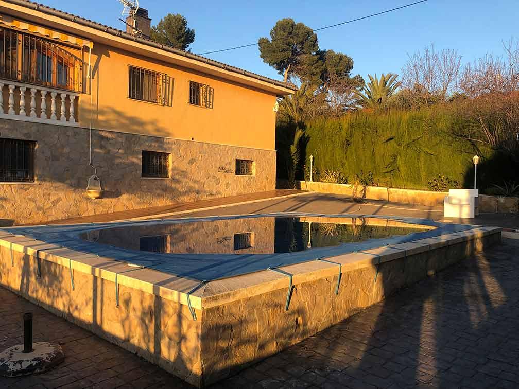 Soleado chalet con piscina en venta en Cocentaina