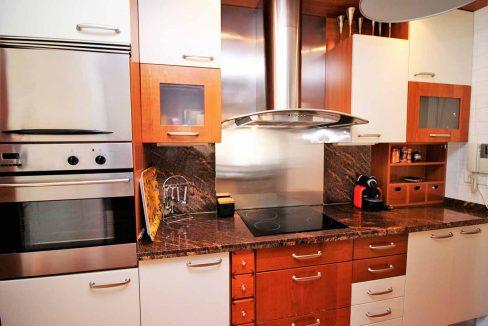 Soleado chalet con zona chill-out y solarium-cocina