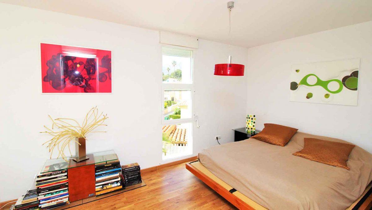 Soleado chalet con zona chill-out y solarium-dormitorio