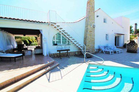 Soleado chalet con zona chill-out y solarium-piscina2
