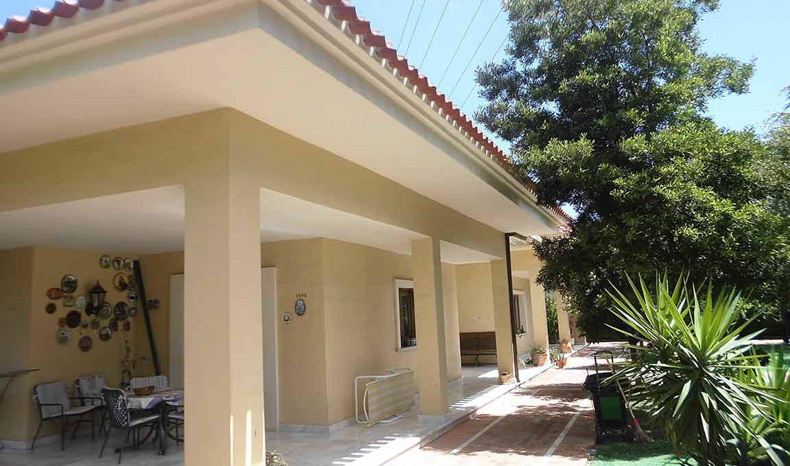 Soleado piso con piscina en la zona de Gormaig-exterior