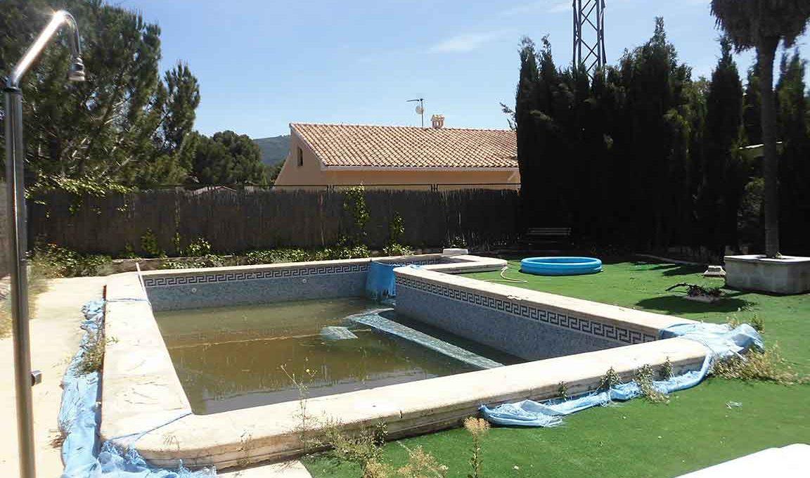 Soleado piso con piscina en la zona de Gormaig-piscina