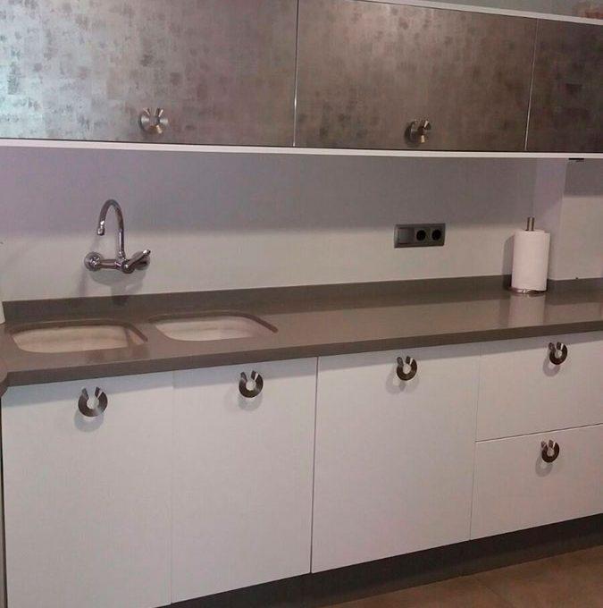 Soleado y totalmente reformado piso en santa rosa-cocina