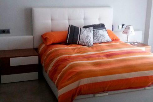 Soleado y totalmente reformado piso en santa rosa-dormitorio