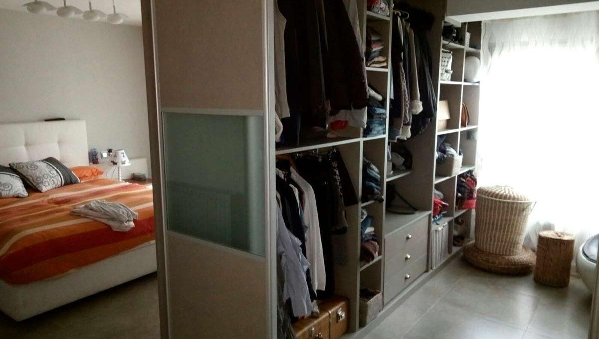 Soleado y totalmente reformado piso en santa rosa-vestidor2