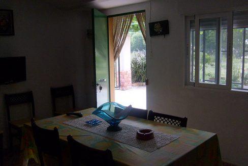 Amplia casa de campo con huerta y chimenea de leña-comedor2