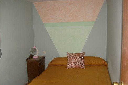 Amplia casa de campo con huerta y chimenea de leña-dormitorio2