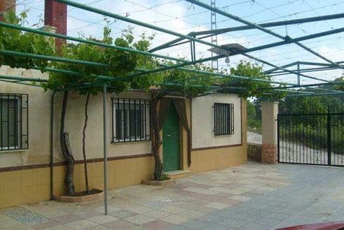 Amplia casa de campo con huerta y chimenea de leña-exterior