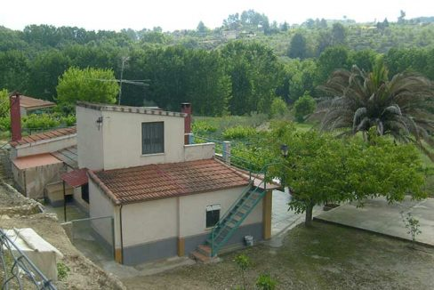 Amplia casa de campo con huerta y chimenea de leña-exterior2